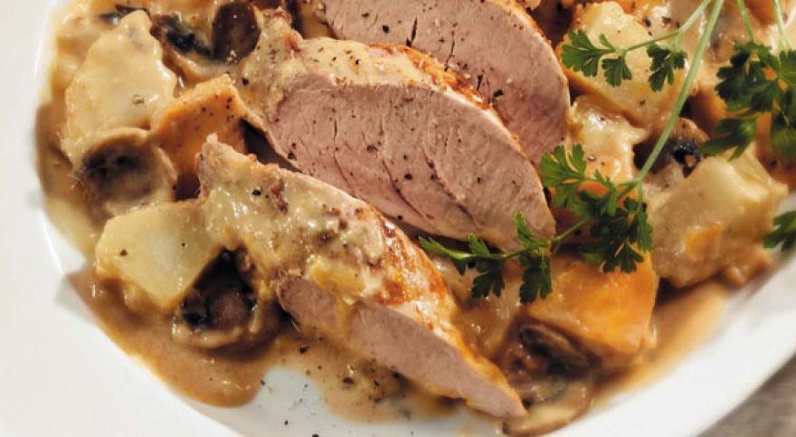 Одлична идеја за утрешниот ручек: Сос со печурки и вино за кременадли