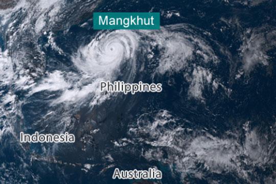 Моќен тајфун ги погоди Филипини- повеќе од пет милиони луѓе се загрозени од невремето
