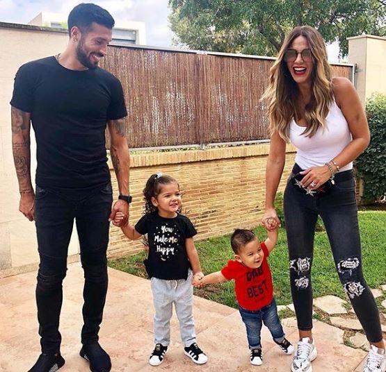 Сопругата на фудбалерот на Валенсија позираше гола, а кога ќе види што и прокоментира тој ќе останете во шок (ФОТО+18)