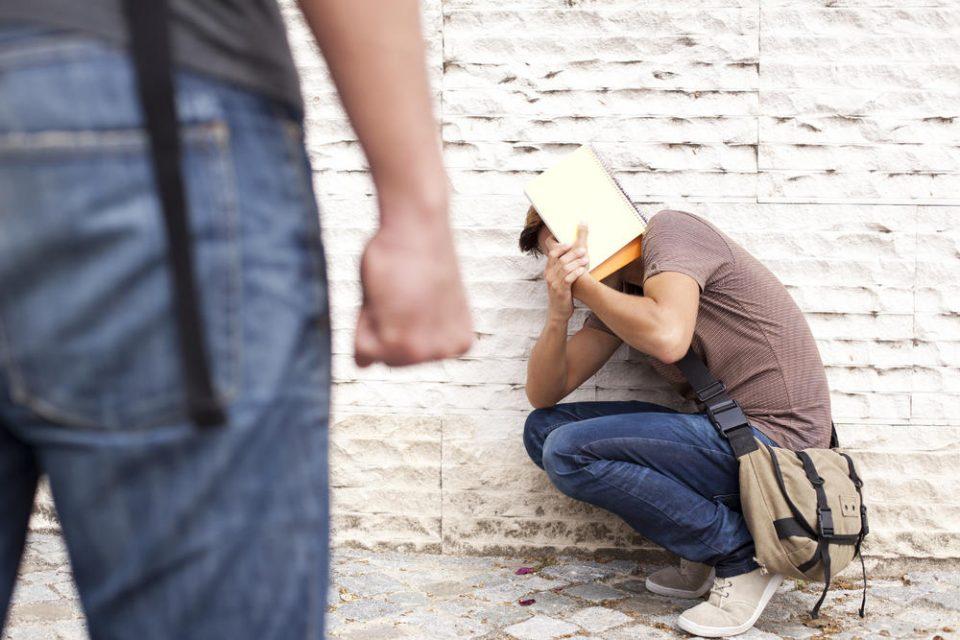 Невиден хорор во Германија: 10 годишно дете од Авганистан силувал врсник од училиште, му помагале две 11 годишни момчиња