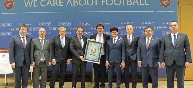 """Член на ИК на УЕФА со поддршка за укинување на правилото """"гол на гости"""""""