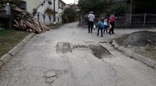 Продолжува крпењето ударни дупки по улиците во Делчево