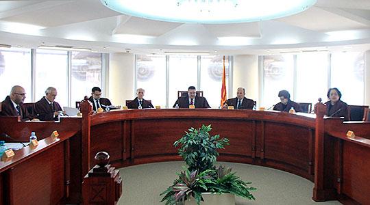 Уставниот суд ја почна седницата за одлуката за референдум