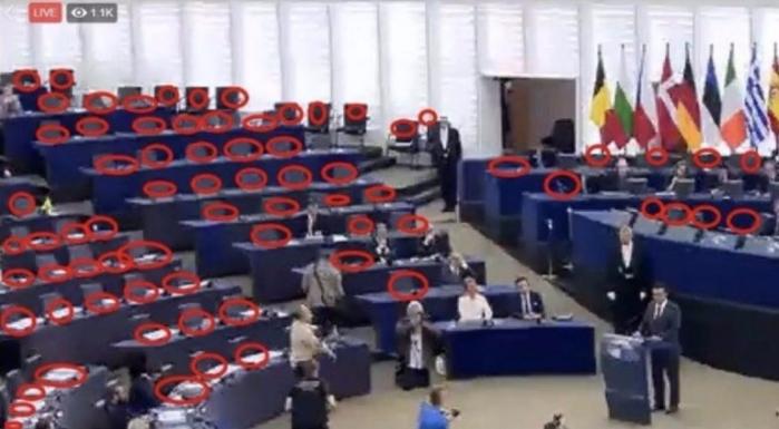 Европскиот парламент го бојкотирше Зоран Заев, празни клупи на неговото обраќање