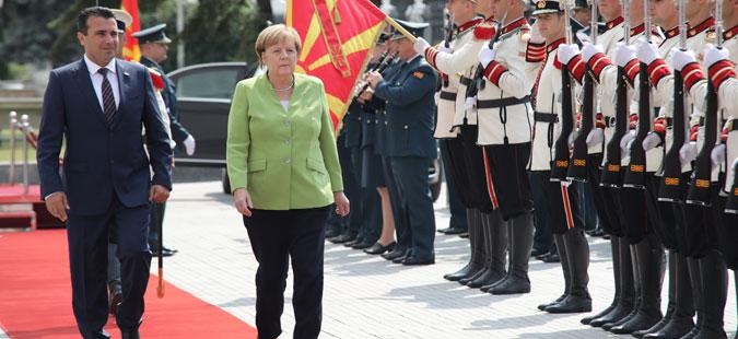 Канцеларката Ангела Меркел пристигна во Македонија