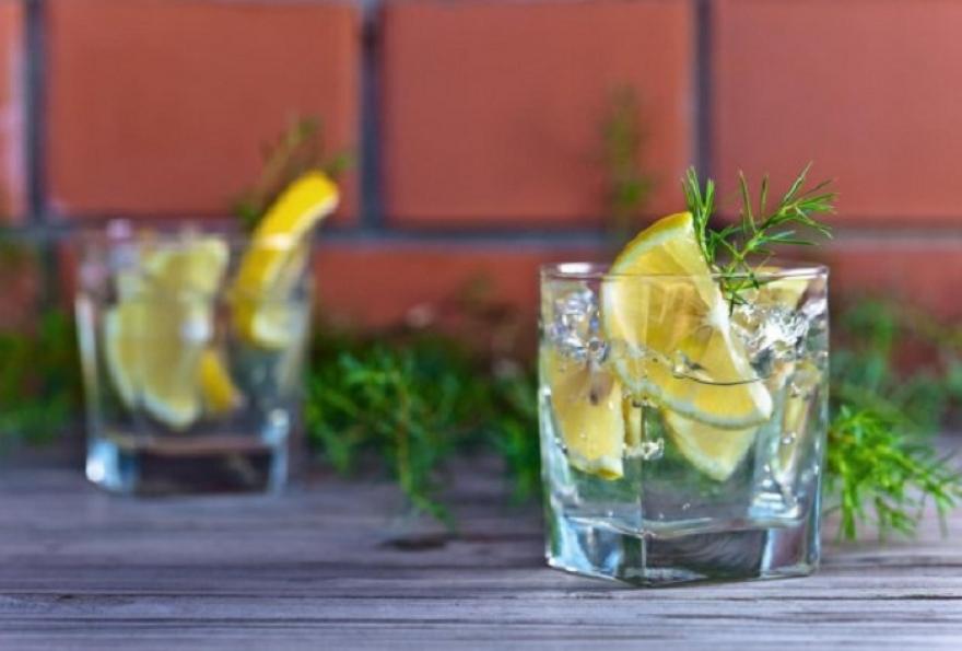 После ова никогаш повеќе нема да ставате лимон во пијалокот