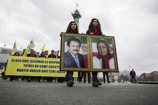 Германија ќе екстрадира ирански дипломат да му се суди за планиран бомбашки напад во Париз