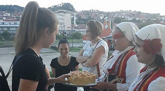 Претставување на Пијанечкиот фолклор пред словенечката публика во Вранско