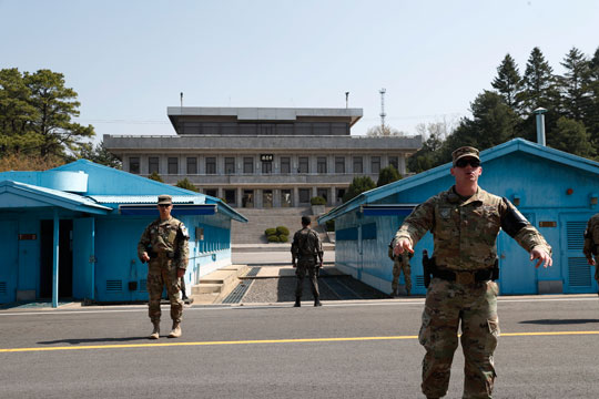 Северна и Јужна Кореја ги одржаа првите преговори за демилитаризација на границата