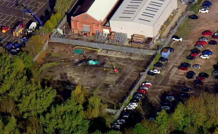 Ден по трагедијата: Голема тага на местото во Лестер (ФОТО)