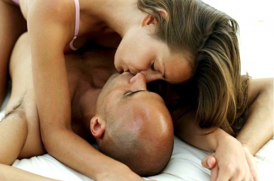 Која е женската лага за време на сексот која ги шокира мажите?