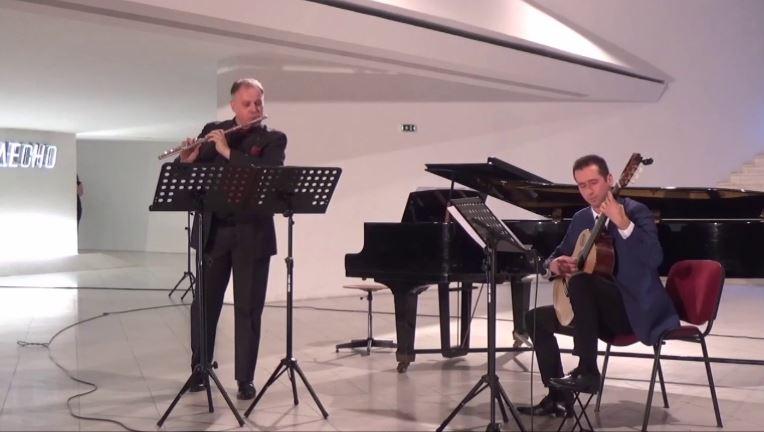 """Фестивалот """"Златна лира"""" почнува со камерен концерт на Темков и Каровски"""