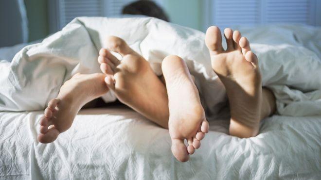 Истражување: Луѓето сѐ помалку имаат секс