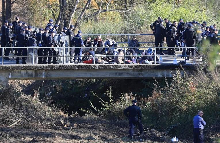 Уапсен мигрант осомничен за убиство на пет лица во Македонија