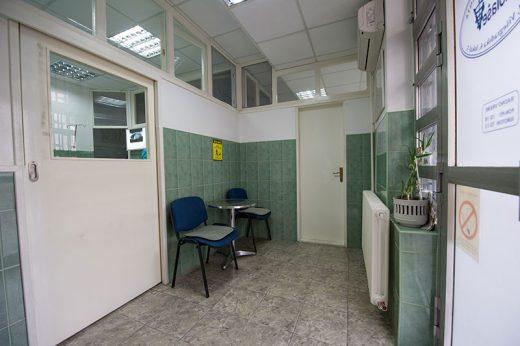Инцидент во скопска амбуланта: Сакала да се прегледа со туѓа книшка, па тргнала да се пресметува со вработените