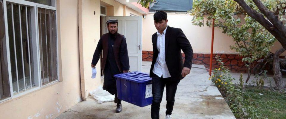 Најмалку деветмина загинати при инциденти на изборниот ден во Авганистан