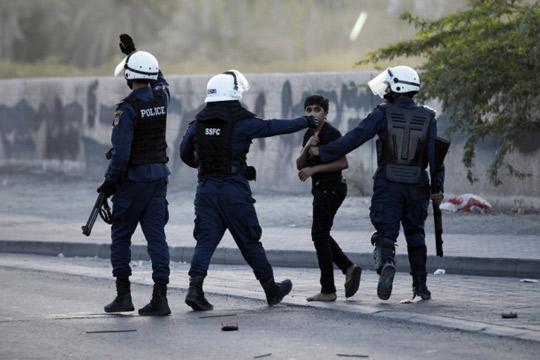 Најмалку четири жртви при уривање на зграда во Бахреин