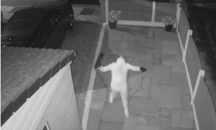 Му го украдоа автомобилот за помалку од минута и тоа без клуч: Газдата ништо не виде ниту слушна, но… (ВИДЕО)