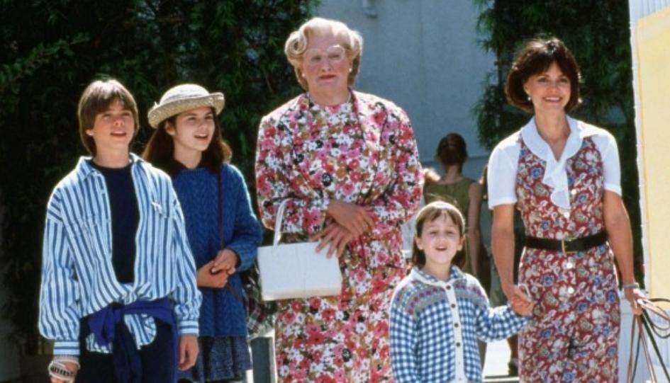 """Тажно без Робин Вилијамс: Поминаа 25 години од """"Госпоѓа Даутфаер"""", како денес изгледа актерската екипа? (ФОТО)"""