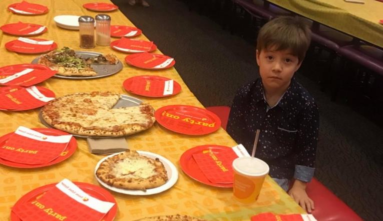 """Се огласија родителите на 6-годишното детенце на кое никој не му дојде на роденден: Што се случува по """"забавата""""?"""