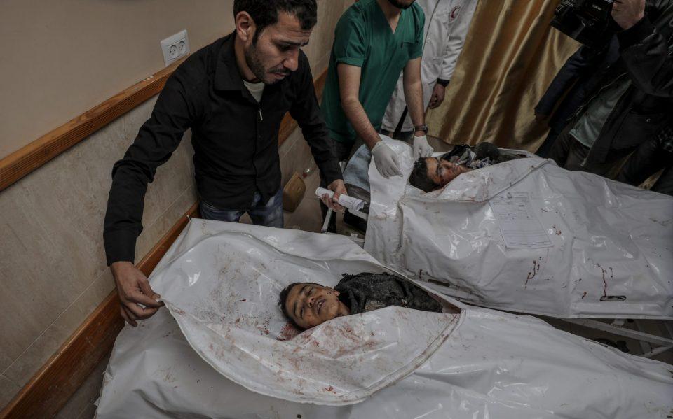 Три деца убиени во израелски воздушен напад во Појасот Газа