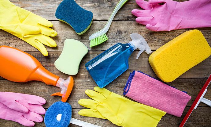 Домашни трикови: Како да ги исчистите старите и валкани предмети? (ФОТО)