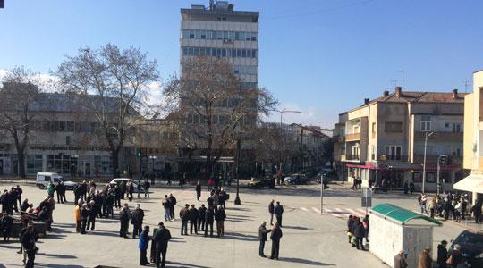 Поради градежни работи, Западен и Северен булевар во Кавадарци затворени за сообраќај на теретни возила