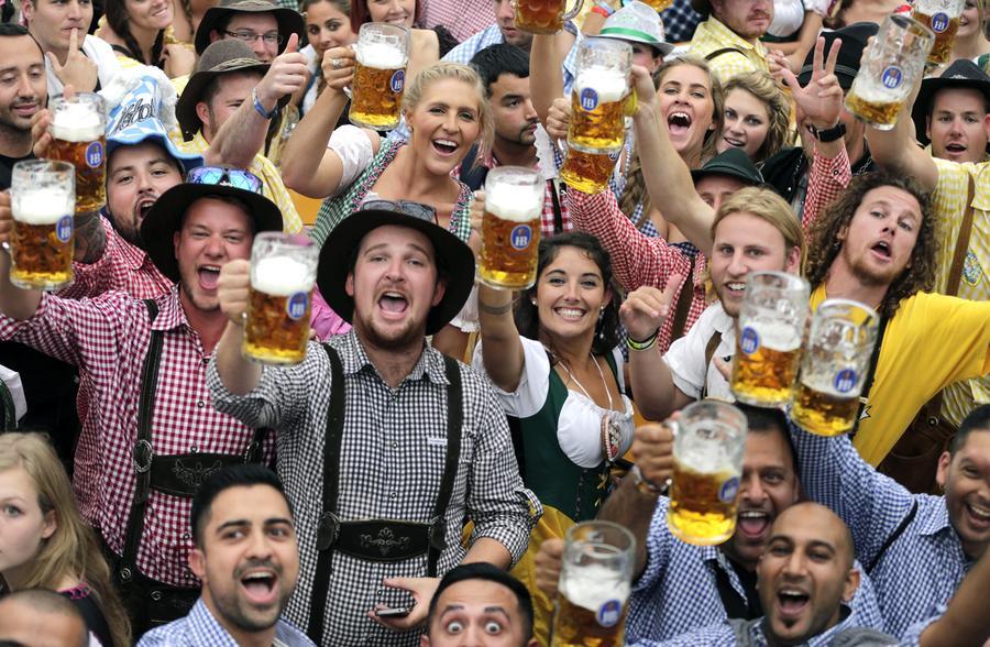 """Испиени 7,5 милиони литри пиво на """"Октоберфест"""" во Минхен"""