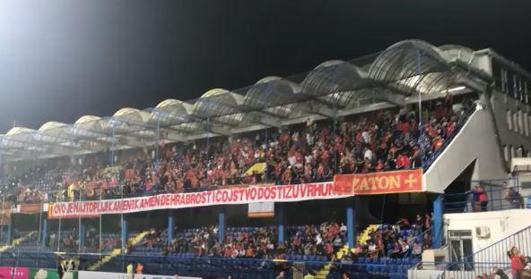 ВОЗНЕМИРУВАЧКО ВИДЕО: Брутална тепачка на стадион меѓу навивачите на Црна Гора и Србија