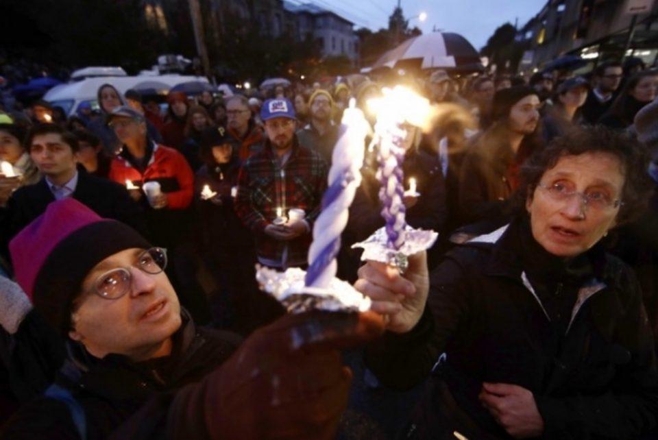 Црн биланс на пукањето во синагогата: 11 мртви, шест повредени (ВИДЕО)