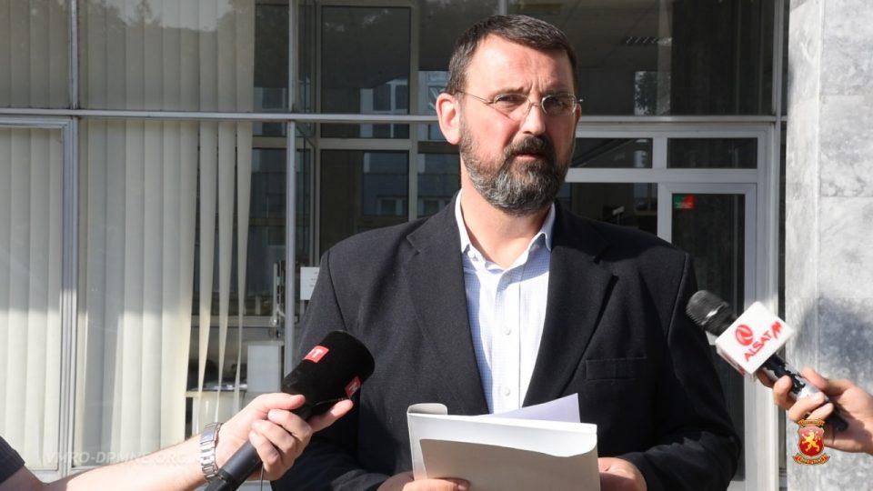 Стоилковски: Има основано сомнение за злоупотреба на над 50.000 гласови за референдумот и полнењето на кутии- потребна е смена на Јовески
