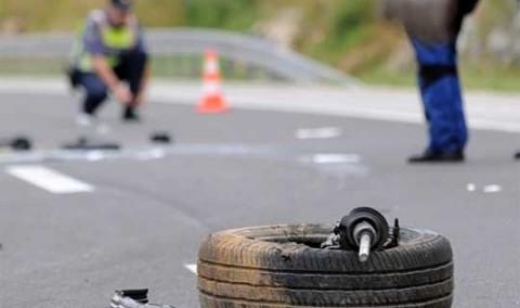 Тешко повредени двајца возачи: Сообраќајка на патот Прилеп- Крушево