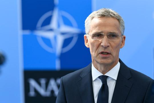 Столтенберг ги отфрли француските критики за НАТО