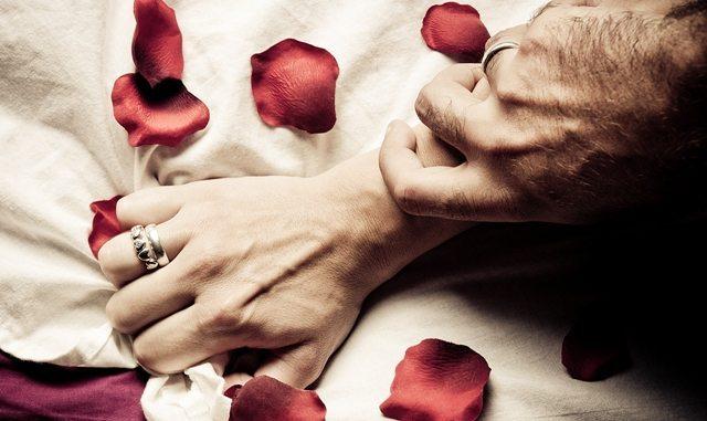 Љубов vs Страст: 20 разлики помеѓу жената со која се спие и жената која се сака