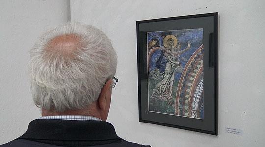 """Во Прилеп изложба на фотографии од црквата """"Св. Ѓорѓи"""" во Курбиново"""