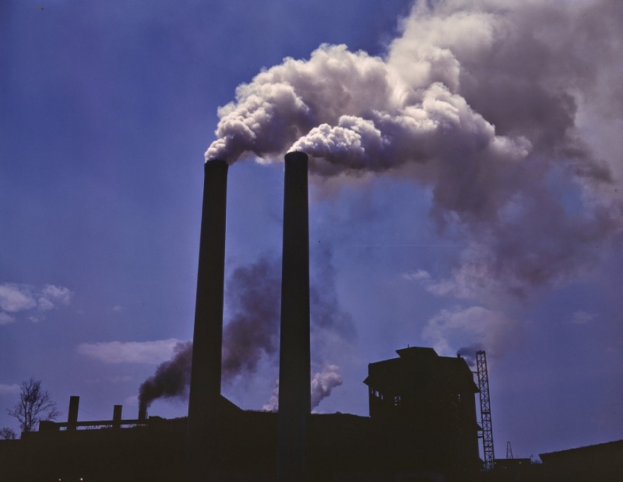 Грејната сезона е на самиот почеток а загаденоста веќе неколку пати го минува дозволениот праг на штетни честички во воздухот