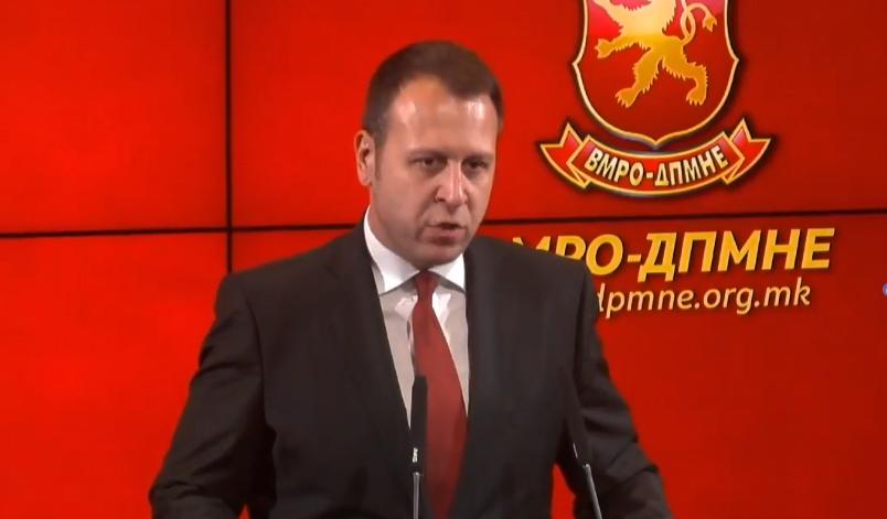 Јанушев: Структури на власта вршат жестоки уцени, закани и притисоци врз пратениците