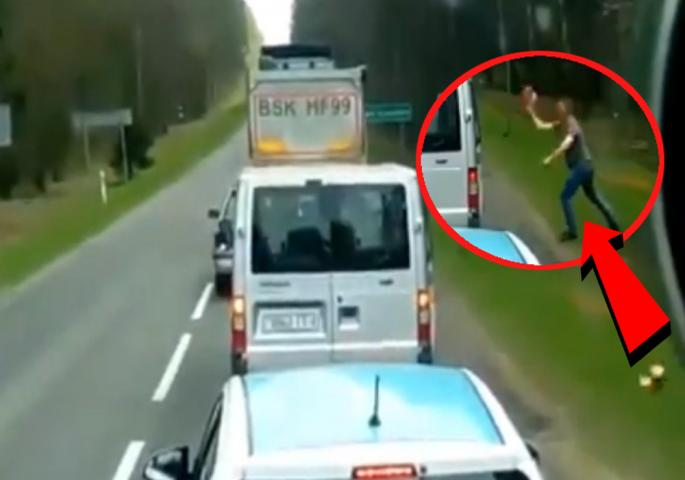 ВИДЕО: Камионџија му одржа лекција на невоспитан возач