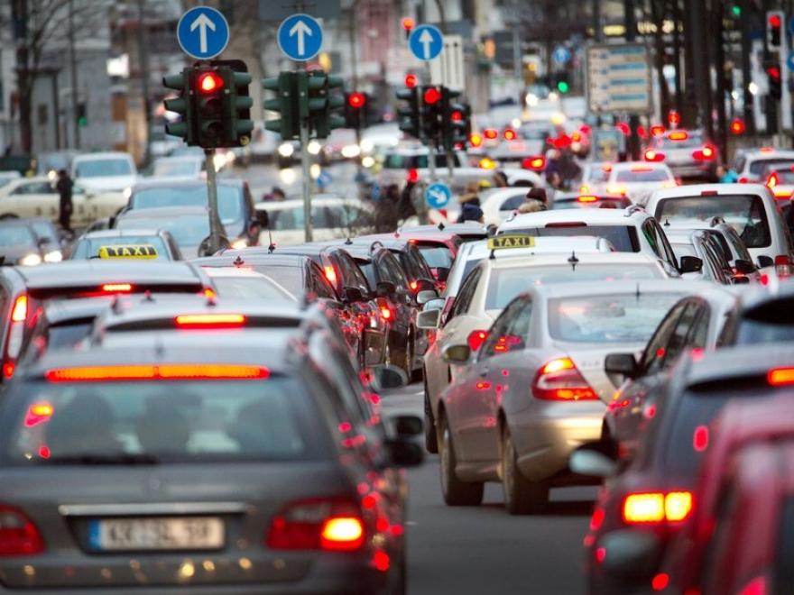 Европа ги фрла, ние ги купуваме ако алва- во Македонија зголемен увозот на дизел возилата под евро 5 еко стандард