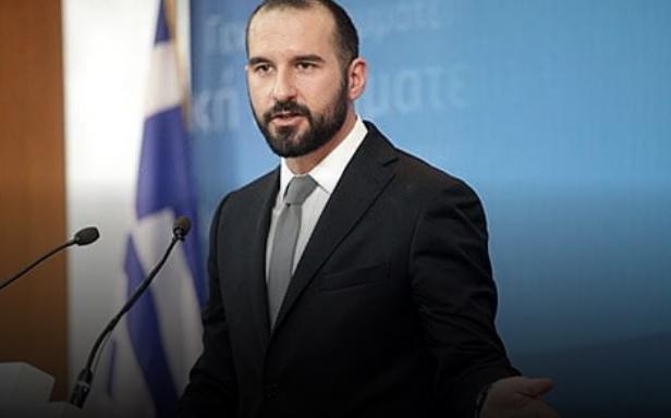 Ѕанакопулос: Постои силна политичка силаво соседната земја што се обврзува да направи ревизија на Уставот и ние тоа и го поздравуваме и го пофалуваме