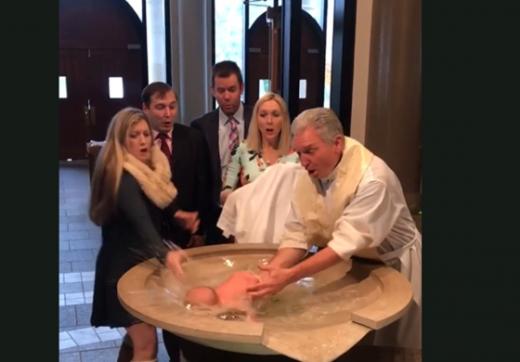 ВОЗНЕМИРУВАЧКО ВИДЕО: Поп ќе удавеше бебе додека го крстеше