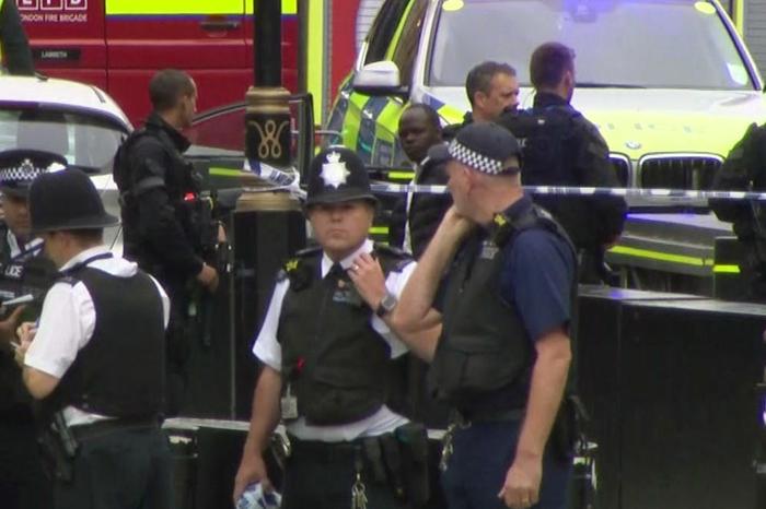 Трагедија во Англија: Се урна тобоган, 8 деца тешко повредени
