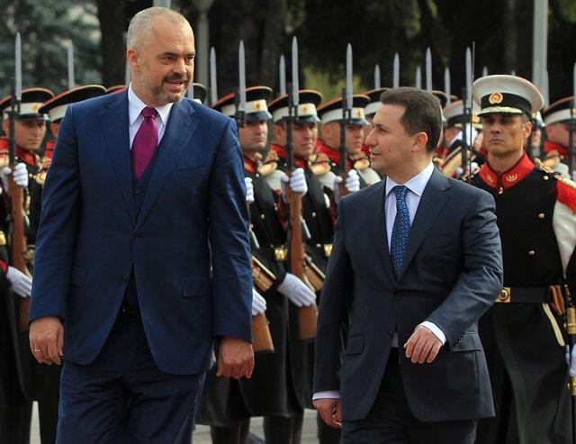 Сали Бериша: И Еди Рама купи автомобил со иста цена како тој на Груевски