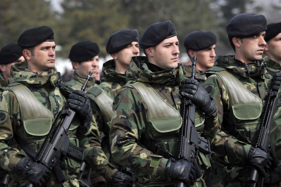 Косовската војска нема да се формира на албанскиот национален празник