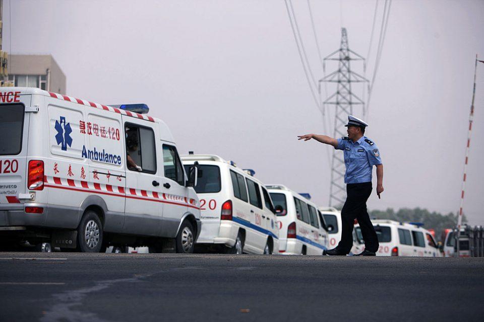 Во Кина загинаа пет деца откако автомобил удри во група ученици