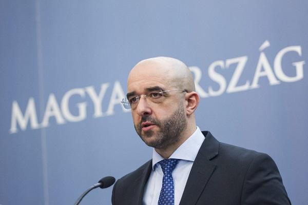 Ковач: Во Унгарија законот важи за сите, нема отстапки ни за Соросовиот универзитет