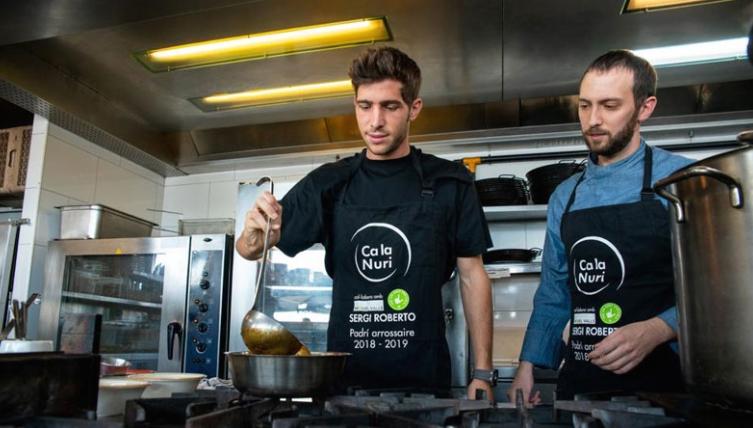 Фудбалер на Барселона стана готвач- еве ја причината