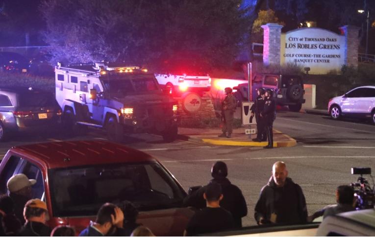 Детали за вооружениот напад во кантри барот: Напаѓачот убиен, бројот на повредени расте