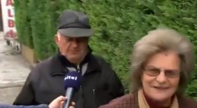 Ова е дедото од Тетово што го освои интернетот: Јас вода не пијам, само ракија (ВИДЕО)