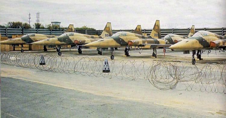 """ВИДЕО: Иран почнува производство на борбени авиони """"Ковсар"""""""
